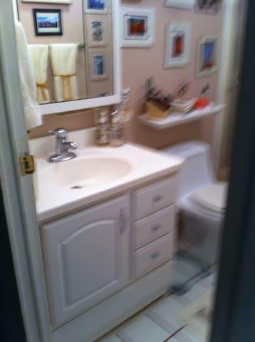 Private Room and Bathroom-COACHELLA