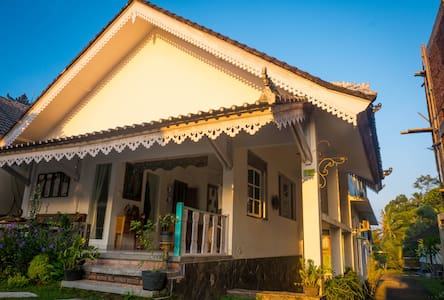 Private Standard Room With Shower - Ubud - Kabupaten Gianyar - Bed & Breakfast