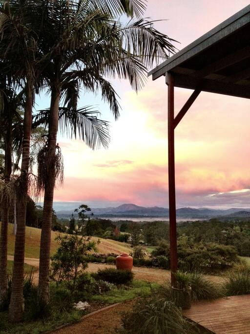 Extraordinary views of the Bellingen Valley and surrounding mountains unfold  forever.