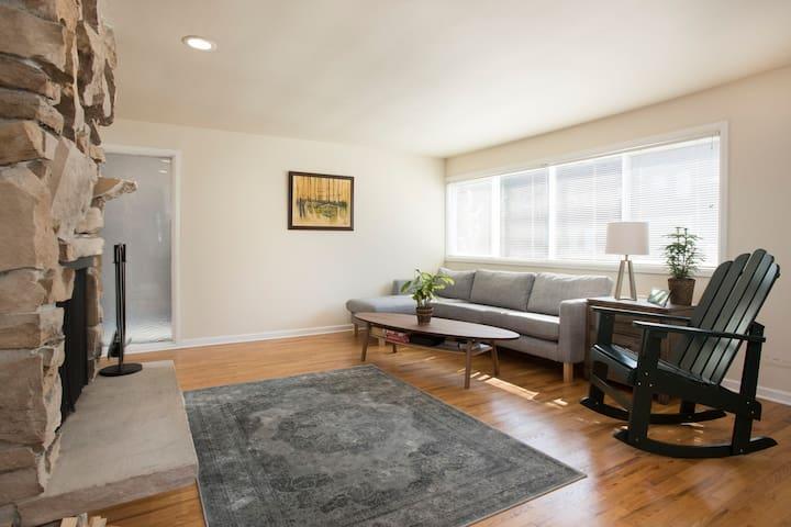 Near Lightrail, Fireplace +SPACE - Seattle - Wohnung