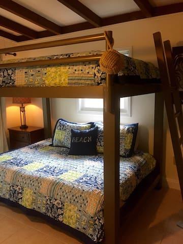 New summer 2016: queen over queen adult bunk beds !