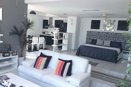 Suite con hermosa vista a la bahía