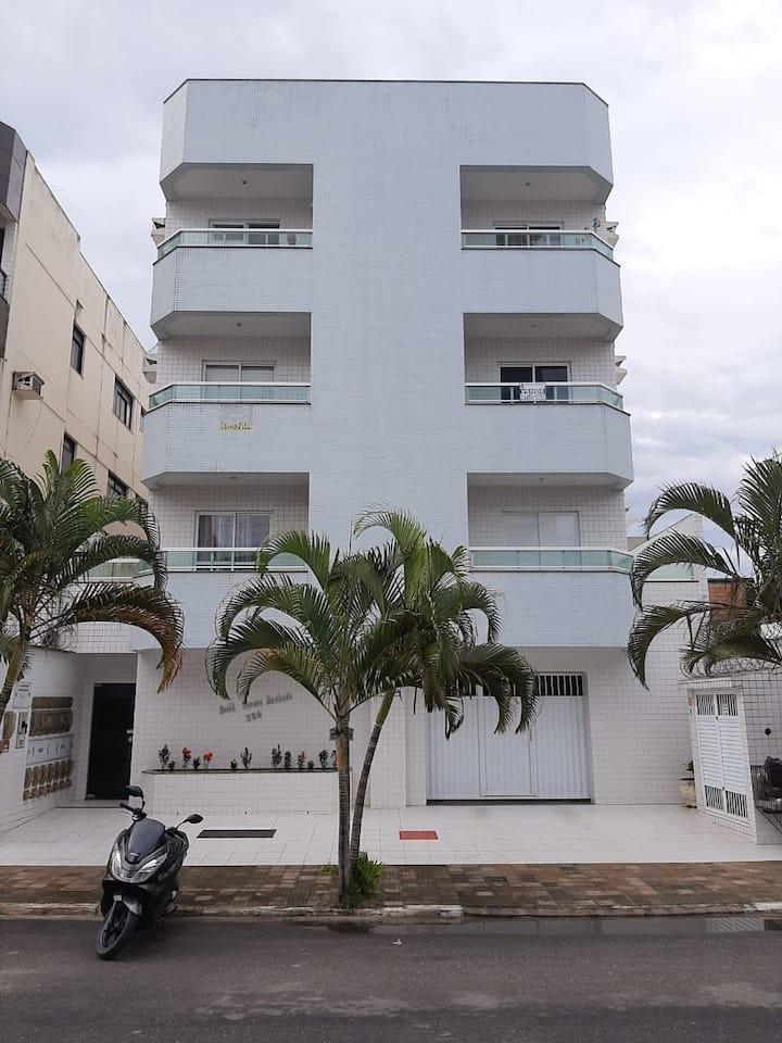 Apartamento bem localizado na Praia do Morro