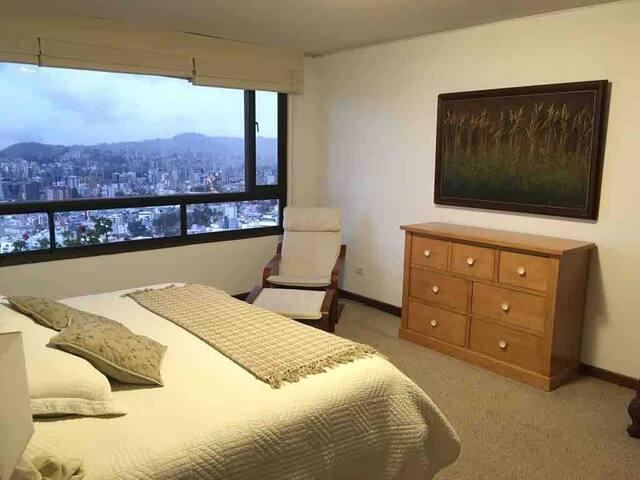 Premium Quito Geranium Apartment