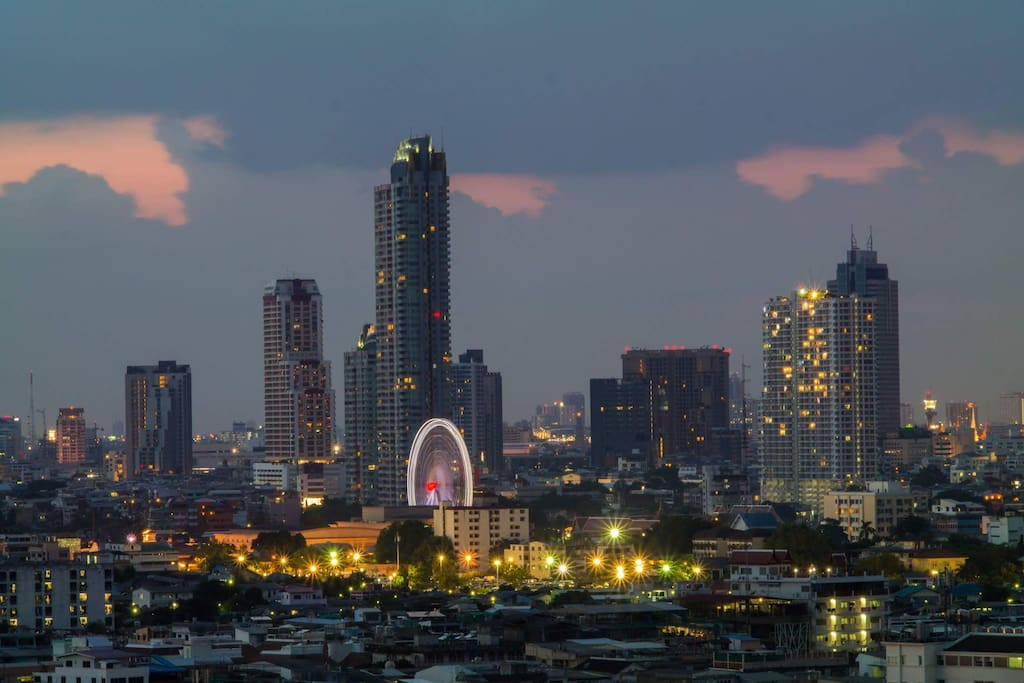 Asiatique, the new entertainment complex of Bangkok, is at sight.