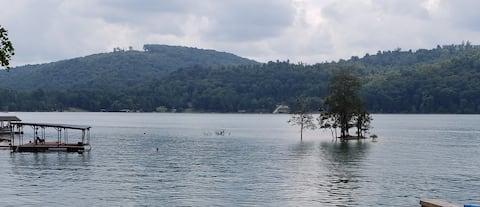 Norris Lakefront Lodge