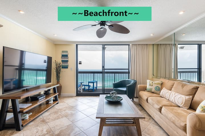 Beachfront Bungalow: 1/1.5 with Oceanview sleeps 6