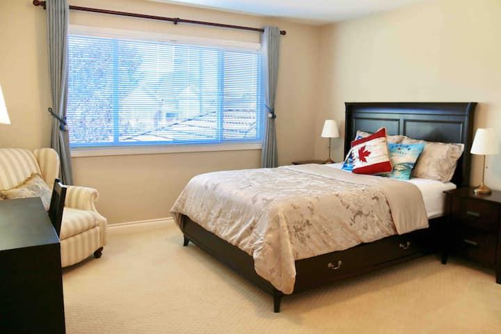 独立别墅内两房一卫两张Queen size双人床,可入住4位客人