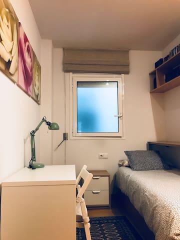 Habitación sencilla , para una persona .
