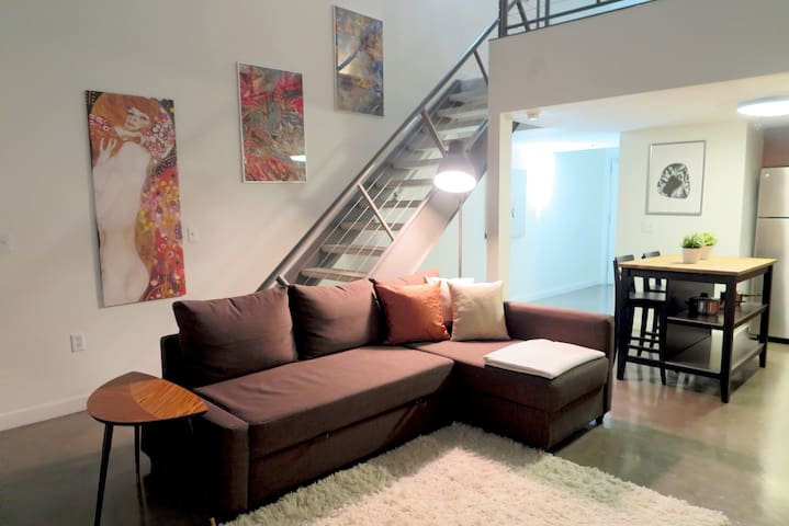 Modern Loft in Hip Gaslamp w/ Parking - San Diego - Lakás