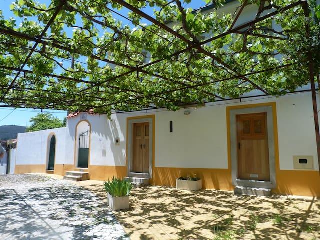 Tranquilidade na Serra da Lousã - Casa D'Avó Alge - Figueiró dos Vinhos - House
