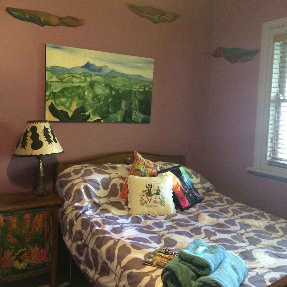 This is the double bedroom available for a night or longer (sleeps 1-2)