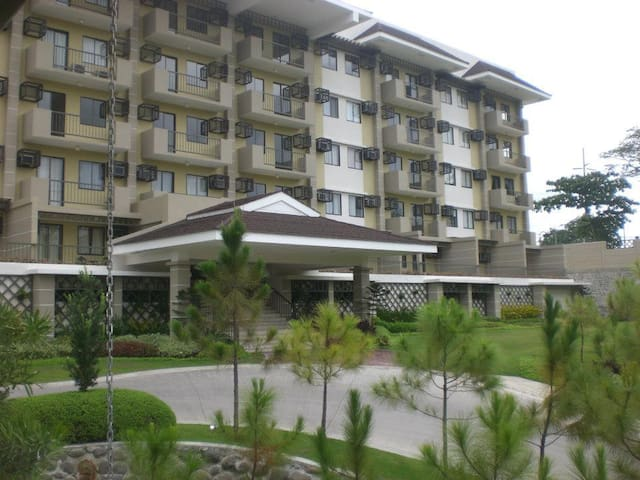 Studio unit furnished @ Northpoint - Davao City - Apartament
