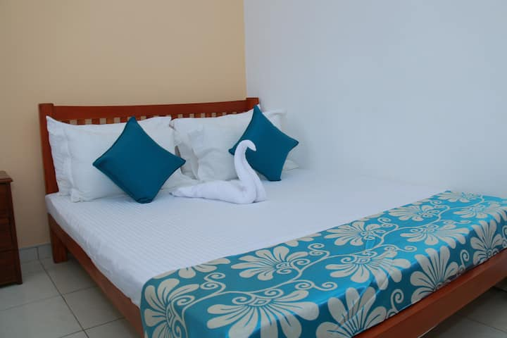 Galle- Family Room- Double + Single Bed with AC