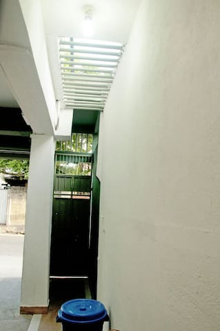 Rajagiriya Room - Sri Jayawardenepura Kotte - Apartamento
