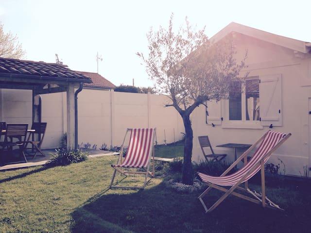 Maisonnette avec piscine & jardin - Le Bouscat - Hus