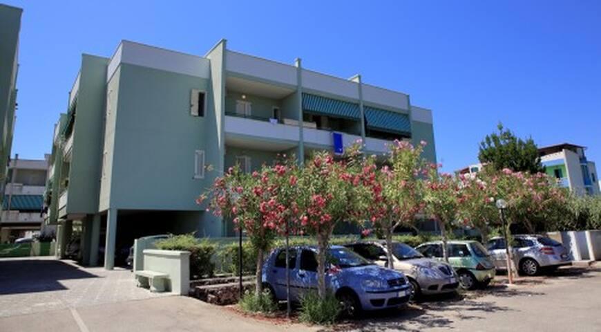 Bilocale in palazzina Baia Verde - Gallipoli - Byt