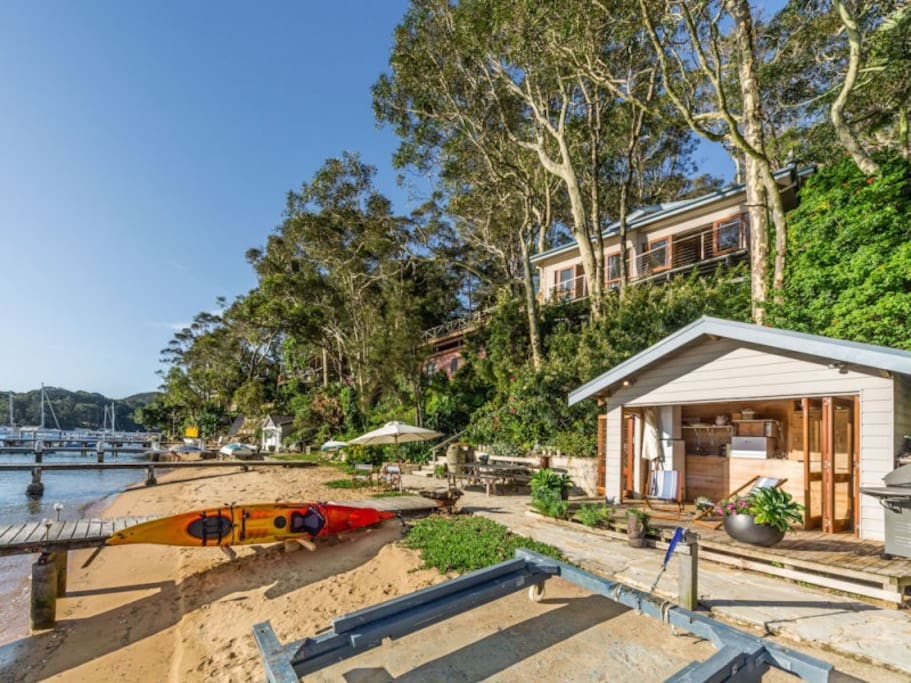 Waterfront Beach House And Boat Shed Piter Views