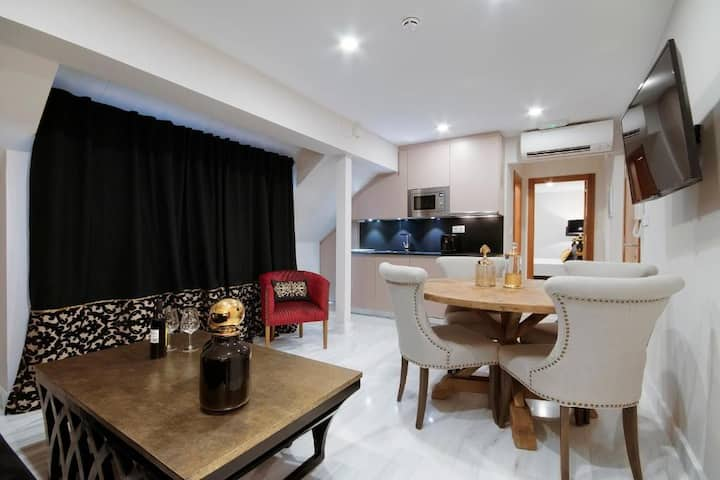 Bibo Gran Via Suites, 1 Apartment for Two or Four