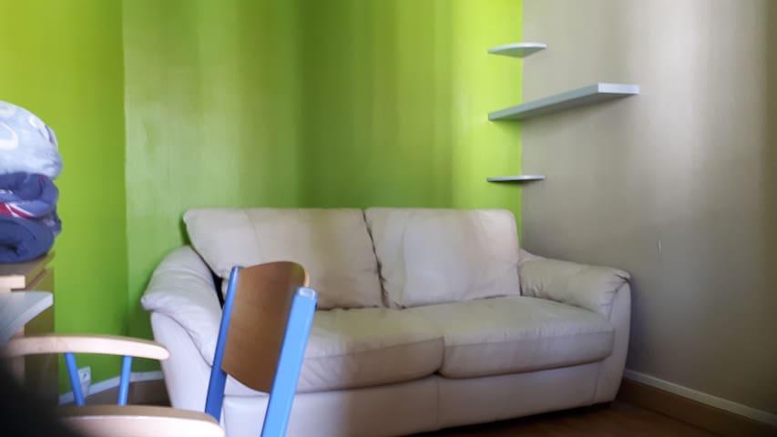 Jolie chambre meublée à 15 minutes de Paris