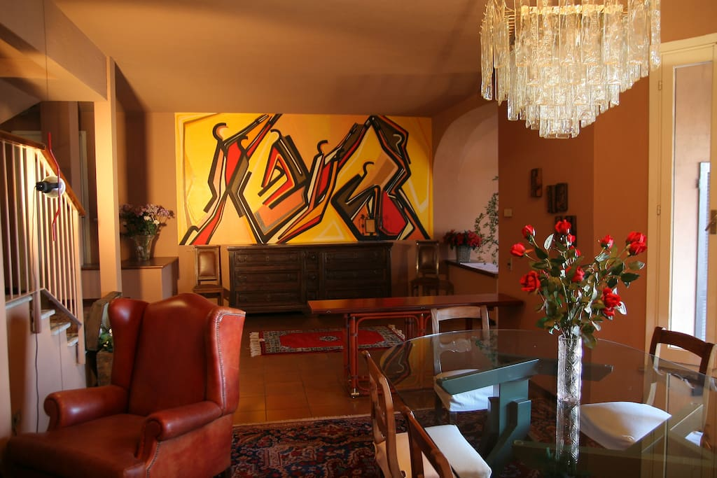 Splendida villa in collina sul lago case in affitto a for Case affitto lecco arredate