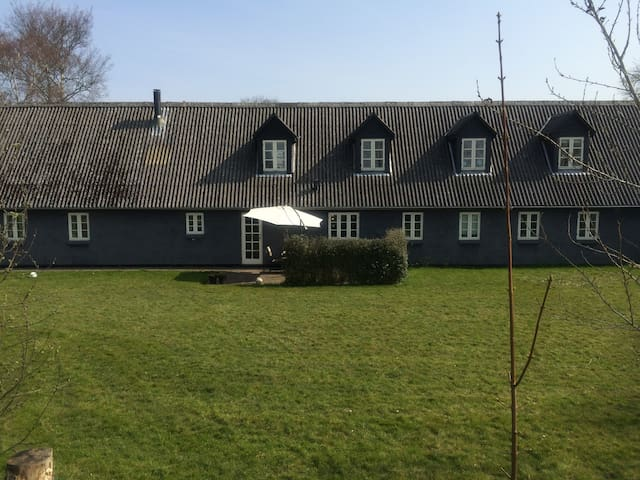 Hus på landet tæt på Århus. - Sabro