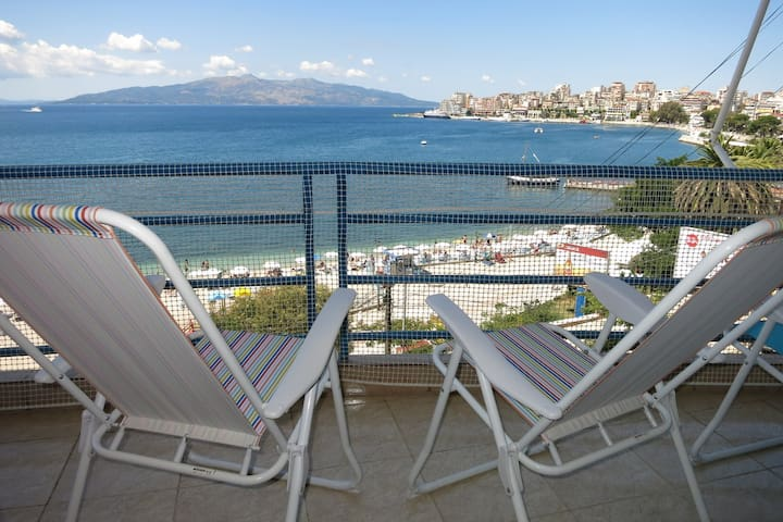 2+1 apt with panoramic 180°sea view