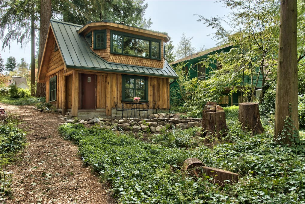 Haller lake restored log cabin cabins for rent in for Washington state cabins for rent