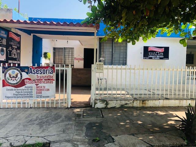 Casa con lavandería en colima centro