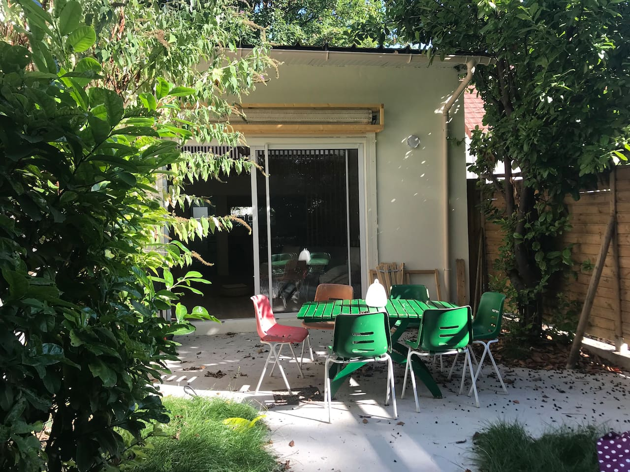 Logement entier avec parking et terrasse jardin