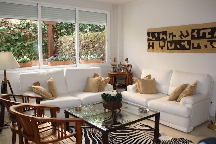 BEAUTIFUL HOUSE FOR FAMILY HOLIDAYS - Las Rozas - Rumah