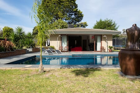 Pool House by the Bay - Frankston South