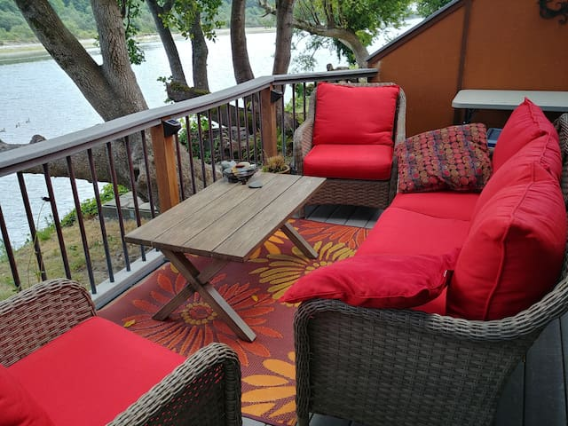 Very Comfortable Seating for 5-6 Overlooking the River