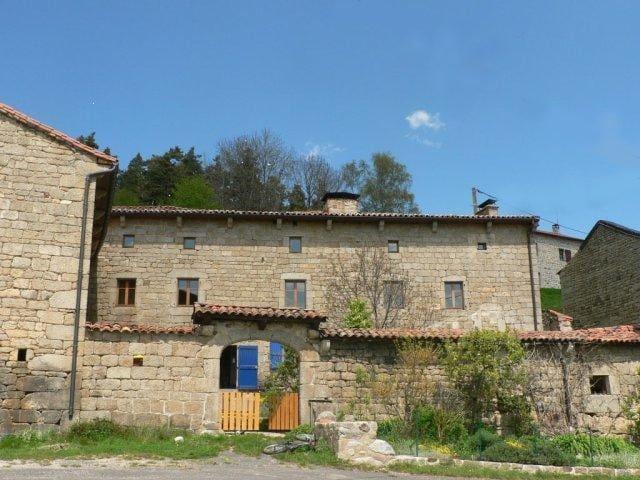 Grande maison de maître rénovée - Venteuges - Casa