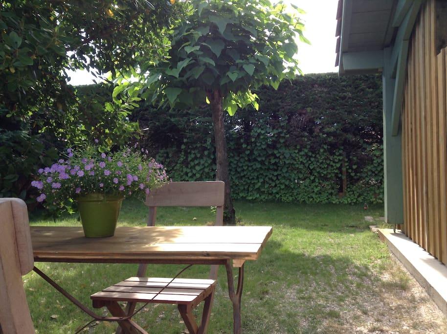 salon de jardin en saison