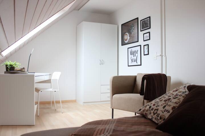 Bed & Breakfast Önz (room brown)