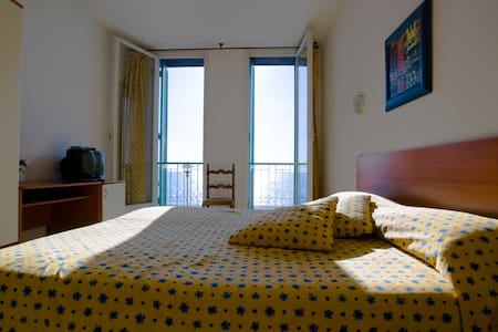 Room with sea view and private park - Deiva Marina - House