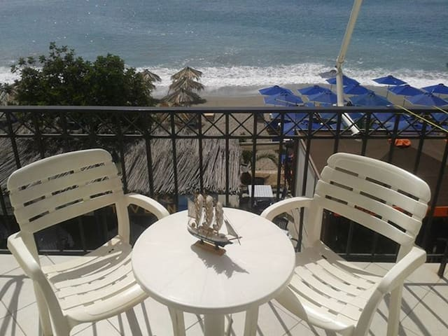 Dimitra Holiday Rooms - Παράλιο Άστρος - Apartment