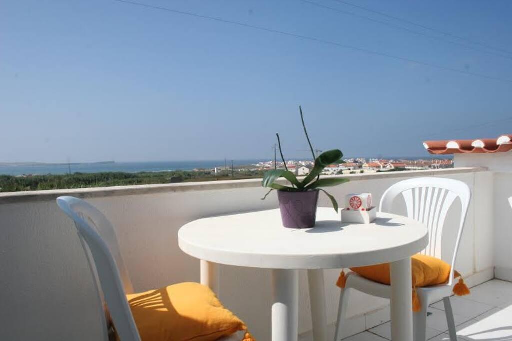 Vista do terraço, sobre o mar
