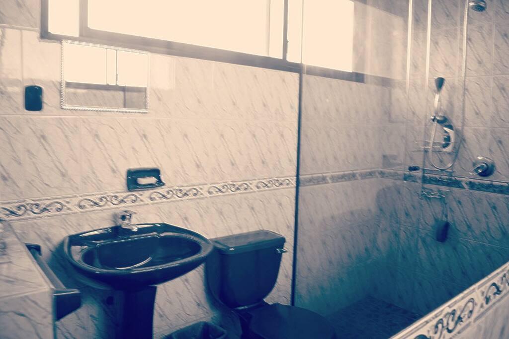 zona del baño y ducha