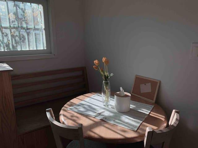 윤싸롱1호점_아늑한 경리단길 2 Room 주택 집 전체 이용