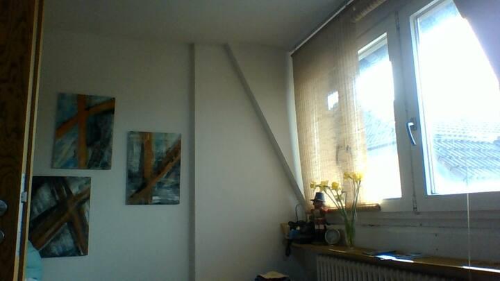kleines Zimmer in Wohnung,