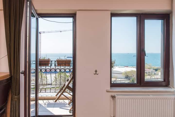 ** Sea-view room w/balcony in Sultanahmet2
