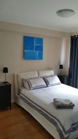 Large modern bondi beach apartment - Bondi Beach - Lägenhet