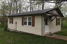 Get away acres Just 1/2 mile off 60 hiway Pets ok