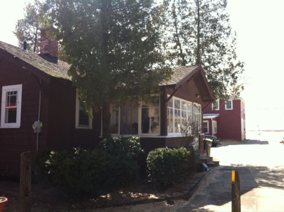 New bailey sands beach cottage cottages for rent in for Muskegon cabin rentals