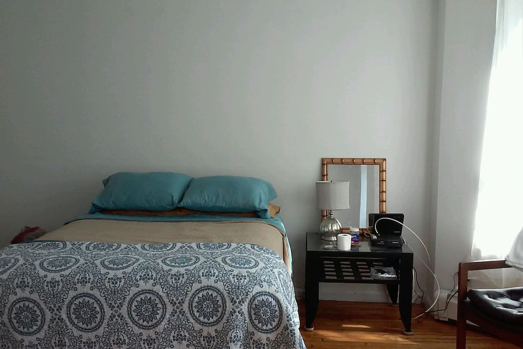 Master Bedroom By Yankee Stadium Houses For Rent In Bronx New York United States