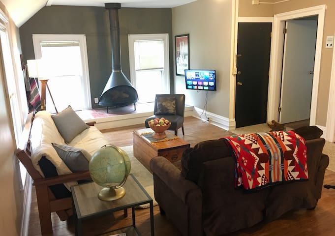 2 Bedroom in Historic Downtown Neighborhood - Ithaca - Íbúð