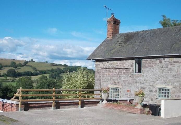 Little Hall Cottage B&B, Rowan Room