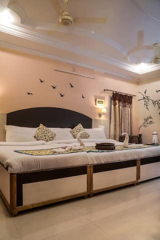 Laxmi Palace - luxury stay in heart of the city